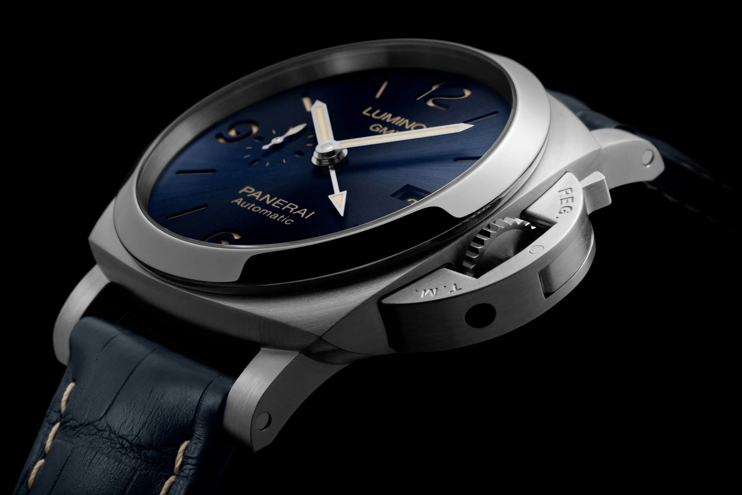 Panerai GMT – Play The Travel Blues